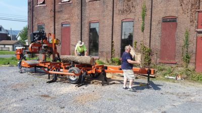 Portable Saw mill operation